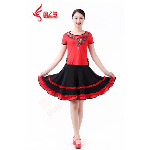 绣花边边口上衣短袖+双层收折裙